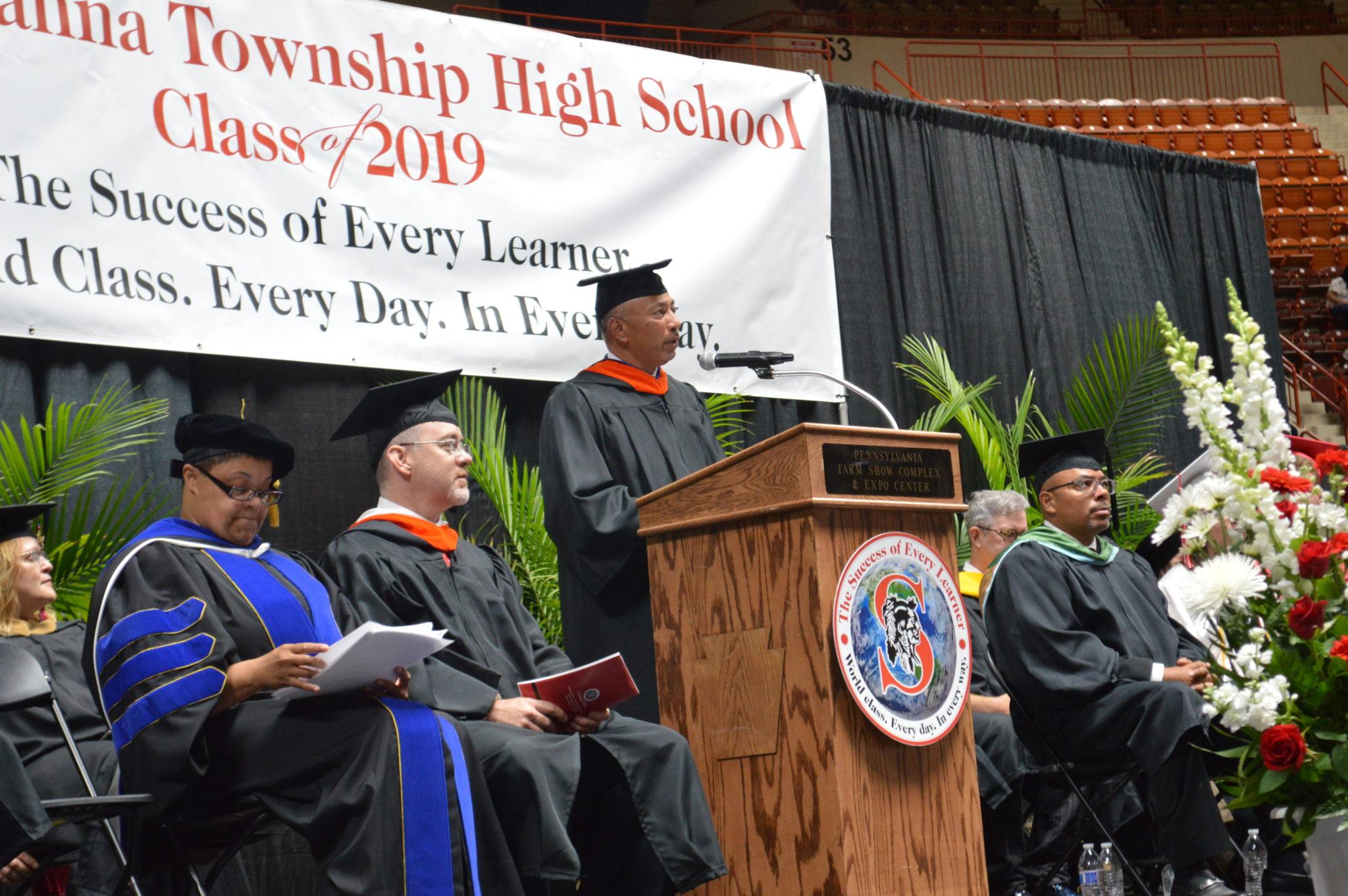Dawood President Awarded Alumni Achievement Award